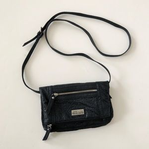 Kenneth Cole Convertible Crossbody/Wristlet